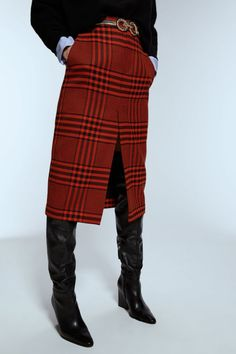 Every Fall Item Anna Wintour Would Buy at Zara Right Now Plaid Pencil Skirt, Pleated Midi Skirt, High Waisted Skirt, Pencil Skirts, Pencil Dresses, Midi Skirts, Checked Blazer, Plaid Blazer, Houndstooth Coat