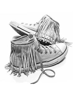I love fringe..even on my sneakers! Precious!