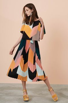 20 Trendy fashion style summer outfits h&m Fashion Kids, Look Fashion, Trendy Fashion, Womens Fashion, Fashion Trends, Affordable Fashion, Casual Dresses, Fashion Dresses, Business Mode