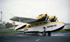 Sea Bee Air (New Zealand) Grumman Goose, ZK-ENY at Mechanics Bay in September 1981. Photo : S Lowe Aviation Mechanic, Lowest Airfare, Air New Zealand, Flying Boat, Aircraft Photos, Fighter Jets, Bee, September, Aeroplanes