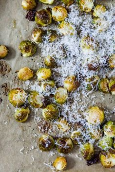 Oven roasted Brussels sprouts - www. Oven Roast, Feel Better, Side Dishes, Avocado, Spaghetti, Food And Drink, Low Carb, Vegetarian, Dinner