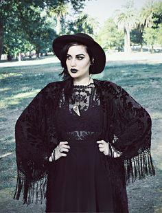 Elegance in Darkness — joanashino: Today's look
