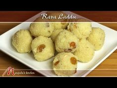 Rava ladoo is a traditional Maharashtrian sweet and a great Diwali, Holi or festival recipe. A glass of milk and this golden ball of ghee-ladden goodness. Indian Dessert Recipes, Indian Sweets, Indian Recipes, Sweets Recipes, Rava Laddu Recipe, Rava Ladoo, Clarified Butter Ghee, Coconut Recipes, Quick Snacks