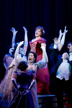 """Patti LuPone """"Annie Get Your Gun"""". Ahem...she's a tad old for this role don't you think?"""