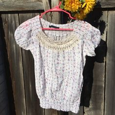 {DONATING WEDNESDAY Zara Floral Top} So pretty! In good condition. Love the lace top! Zara Tops Tees - Long Sleeve