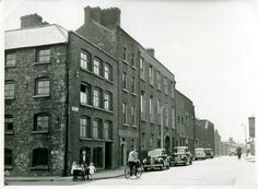 Watkin's Brewery, Cork St and Ardee St, the street has been widened, the building in the row has been pulled down, while remnants of the second cling to tge walls of the third. Old Images, Old Pictures, Old Photos, Dublin Street, Dublin City, Photo Engraving, Gotham City, Historical Photos, Celtic