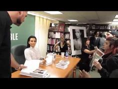 Anti-Fur Activists Disrupt Kim Kardashian's Book Signing - Their Turn