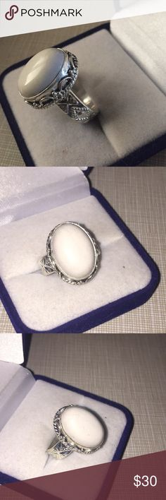 Pretty artwork design white coral ring Beautiful artwork artisan handcrafted ring silver stamped 925 inlay handmade size 7.75 oval shaped 10grams Nwot Jewelry Rings