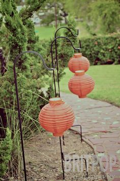 Outdoor hanging idea with Chinese Lanterns