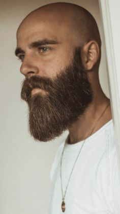 47 Best Long Beard Style Ideas That Trending Nowadays – coiffures et barbe hommes Bald Men With Beards, Bald With Beard, Long Beards, Red Beard, Chin Beard, Stubble Beard, Long Beard Styles, Hair And Beard Styles, Grow A Thicker Beard