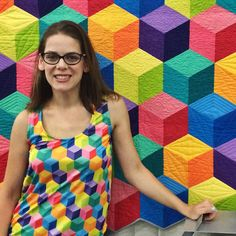 Yesterday was schoolhouse, #QuiltMarket booth set-up & sample spree. It was also match your quilt day, but I was the only one that got the memo!  ( just kidding! I made my setup shirt from @spoonflower fabric I printed to match #ArcadeGameQuilt )