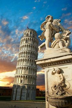 Leaning Tower of Pisa! I never knew this was in Tuscany. I think Pisa is a part of Tuscany. I will have to find out about that. Torre Pizza, Travel Images, Travel Pictures, Pisa Italia, Places To Travel, Places To Visit, Pisa Tower, Rome, Italy Pictures