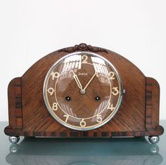 US $269.00 Used in Collectibles, Clocks, Vintage (1930-69) JUNGHANS GONG Chime Germany Vintage Clock Shelf/Mantle 8 Day Pendulum Oak Wood