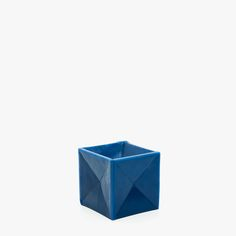 Image of the product GEOMETRIC CUBE CANDLE