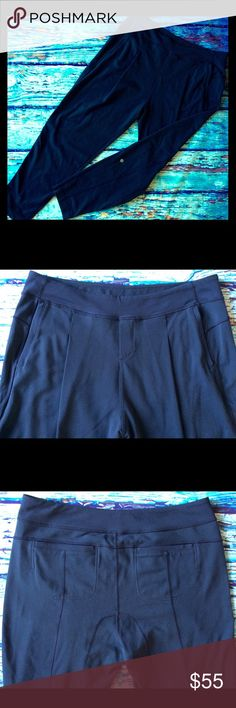 """Lululemon Navy Take Me Om Yoga pleated Pants 10 Light used condition, size 10 Lululemon pants. Pleated front, side pockets 2 back pockets, tapered leg. Approximate measurements are; 34"""" unstretched waist, 28"""" inseam. No trades. lululemon athletica Pants Track Pants & Joggers"""