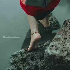 Teenage Girl Photography, Girl Photography Poses, Dream Photography, Indian Photoshoot, Couple Photoshoot Poses, Saree Photoshoot, Beautiful Girl In India, Beautiful Girl Photo, Cute Love Pictures