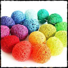 Super dyed wool colors. Deco Ballon, Rainbow Birthday, Kool Aid, String Art, Easter Eggs, Wool, Crochet, Crafts, Magic