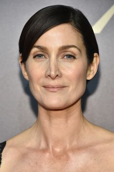 Carrie-Anne Moss Photos - Actress Carrie-Anne Moss attends The Annual Peabody Awards Ceremony at Cipriani Wall Street on May 2016 in New York City. - The Annual Peabody Awards Ceremony - Arrivals Modern Hairstyles, Celebrity Hairstyles, Carrie Anne Moss, Male To Female Transgender, Oval Faces, Cute Cuts, Inspirational Celebrities, The Matrix, Great Hair