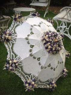 wedding flower umbrella Sumams 47 expressions Floral about best on images Umbrella Decorations, Hanging Wedding Decorations, Stage Decorations, Flower Decorations, Lace Umbrella, Vintage Umbrella, Umbrella Wedding, Wedding Umbrellas, Wedding Arrangements