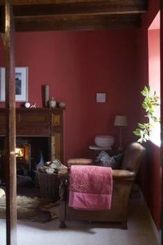 640_papastour-croft-red-room