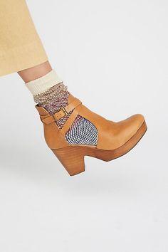9cbb2024e443 Slide View 1  Cedar Clog Beautiful Shoes, Pies, Clogs, Balenciaga Shoes,