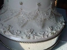 Royal Icing detail...by KC Wedding Cakes Grimsby