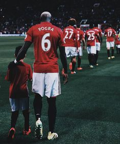 """""""He never told me he wants to leave."""" - Jose Mourinho on Pogba 📰 -- Paul Pogba Manchester United, Manchester United Players, Manchester United Wallpaper, Association Football, Man United, He Wants, Soccer Players, Fifa, The Unit"""
