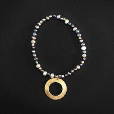 Perla keshy multicolor aro en plata dorada. Diseñado por Samuel Burstein.