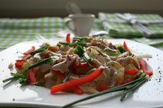 Pyszna sałatka z ziemniakami i wędzonym pstrągiem:-)