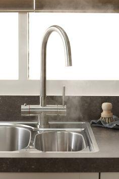 De Bruynzeel Keukens 3-1 kokendwaterkraan. voor zowel koud, warm & kokendwater.