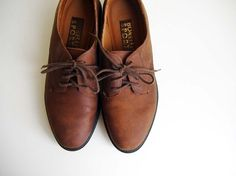 Vintage Brown Suede Oxford Shoes  Women's 7  by queeniesvintage