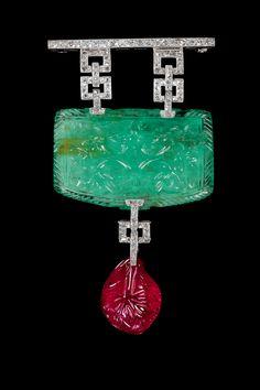 Cameo brooch pendant of Mughal