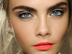 Make-up Model makeup lips skin mm lipstick eyeliner cara delevingne hw bronzer makeup tips Black Makeup Tips, Makeup Tips For Blue Eyes, Best Makeup Tips, Blue Eye Makeup, Simple Makeup, Dramatic Eyes, Dramatic Eye Makeup, Cara Delevingne, Makeup Looks