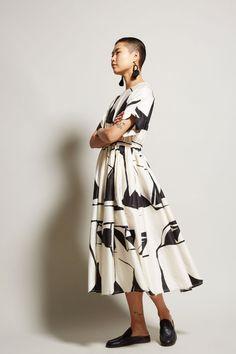 Black Crane Pleated Dress in Print Cream / Black