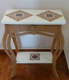 Islamic Art Pattern, Pattern Art, Decoupage Furniture, Diy Furniture, Wooden Diy, Woody, Furniture Makeover, Entryway Tables, Projects To Try