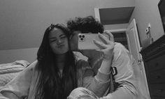 Teen Couples, Cute Couples Photos, Cute Couple Pictures, Cute Couples Goals, Friend Pictures, Couple Photos, Couple Goals Relationships, Relationship Goals Pictures, Boyfriend Goals