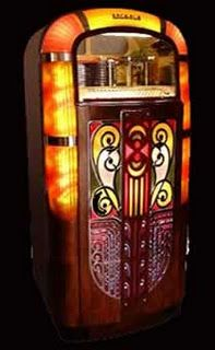 Early 40's Wurlitzer. The bubble Wurlitzer was introduced in 1946. The 1st Wurlitzer music machine was made in 1890.