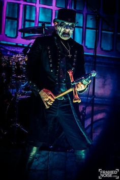 King Diamond, I'm going to the concert with my husband =D