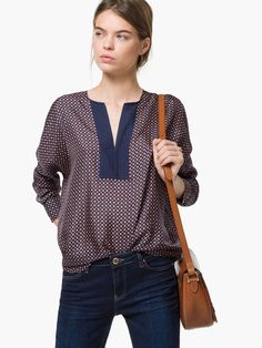 Love the neckline on this. Would like it in a lighter color also. CAMICIA SETA STAMPA GEOMETRICA, euro 69,95.