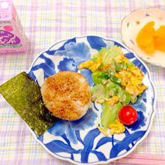 たま〜に焼きおにぎりします。 子どもは喜んで食欲アップ♪ - 16件のもぐもぐ - 朝ごはん❤️焼きおにぎり by harupyonei5