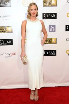 Emily Blunt at the Critics Choice Movie Awards - celebrity fashion Best Celebrity Dresses, Celebrity Pictures, Celebrity Weddings, Celebrity Style, Tv Awards, Red Wedding Dresses, Emily Blunt, Skinny Girls, Mo S