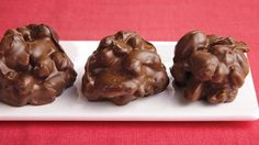 Serve a big crowd with these triple chocolate-covered nut clusters – a tasty slow cooked dessert. Make sure chocolate coating us GF Slow Cooker Desserts, Crock Pot Desserts, Slow Cooker Recipes, Easy Desserts, Elegant Desserts, Crockpot Meals, Chocolate Morsels, Chocolate Coating, Chocolate Flavors