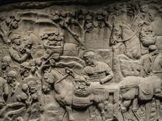 This scene shows Roman soldiers loading plunder onto pack animals after defeating Decebalus, the Dacian king. Casts such as this one preserve details on Trajan's Column that pollution has eroded. - National History Museum of Romania Ancient Ruins, Ancient Rome, Ancient History, Trajan's Column, Roman Sculpture, Modern Sculpture, Roman Era, National History, Archaeological Discoveries