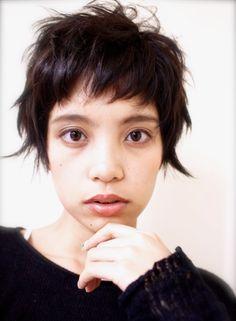 大人ショートウルフ (髪型ショートヘア)