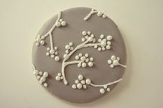 cookie decorating inspiration, could be used to decorate a cake, too.