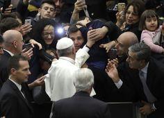 CIUDAD DEL VATICANO (AP) — Las reformas impulsadas por el papa Francisco sobre católicos que se divorcian y se vuelven a casar permitirán que ese segmento de la grey reciba comunión, anunciaron el miércoles obispos alemanes.