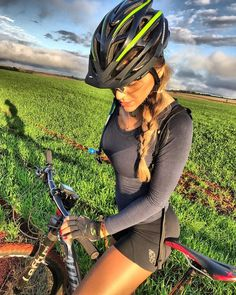 Cycling Chicks : Photo
