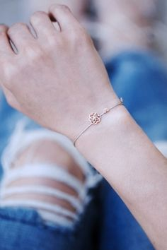 Love at first sight! Let the tiny details capture your heart #bracelet #lovely #hearts WWW.NEWONE-SHOP.COM