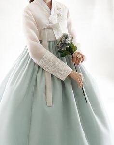 Korean Traditional Dress, Traditional Fashion, Traditional Dresses, Korean Dress Formal, Formal Dress, Hanbok Wedding, American Dress, Korean Hanbok, Mint Dress