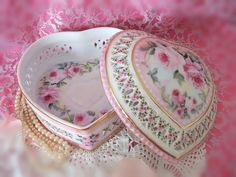 Cottage Romantic Shabby Vintage Chic Porcelain Heart box with Pink Roses | Flickr - Photo Sharing!